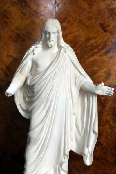Murtunut Jeesus patsas